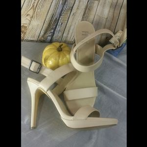 Ivory light  heels size 10 M gently worn